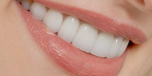 چگونه مراقب دندانها و لثهی خود باشید