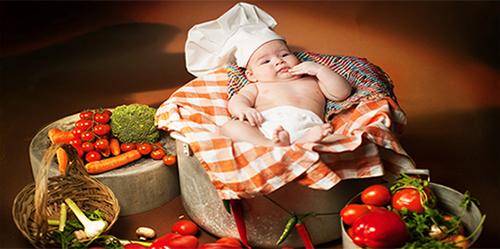 سالاد ماکارونی همراه با سبزیجات
